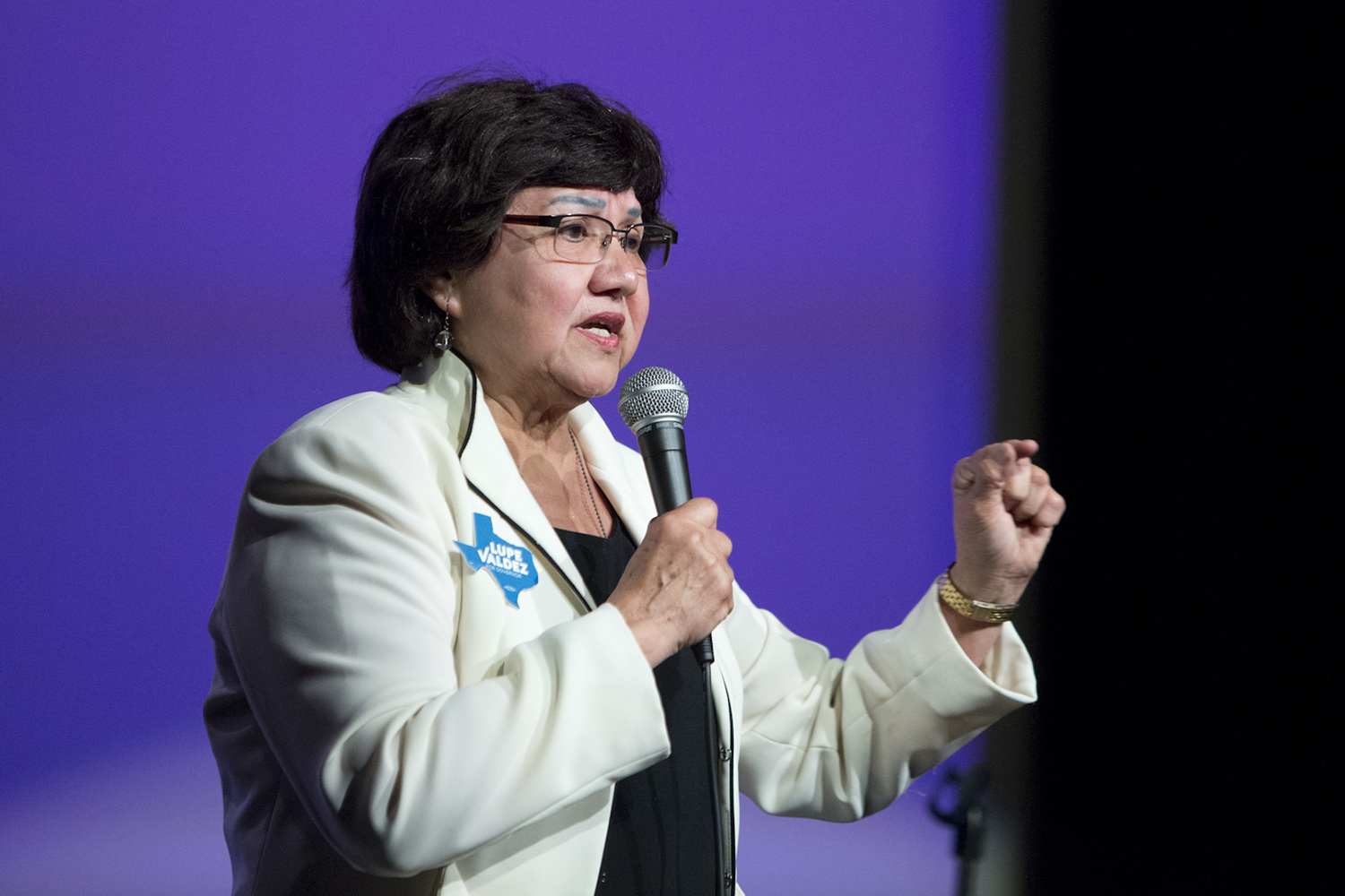 Democratic candidate for governor Lupe Valdez's answer to an immigration question cost her the endorsement of Jolt Texas, a group aiming to turn Texas blue.