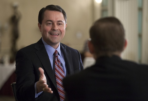 Evan Smith talks with Agriculture Commissioner Todd Staples during a TribLive event on May 2, 2013.