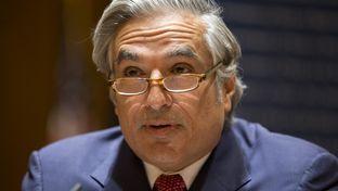 UT System Chancellor Francisco Cigarroa announces his resignation on Feb. 10, 2014.