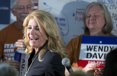 Governor candidate Wendy Davis thanks her supporters Oct. 22, 2014 prior to their block walking on her behalf in Travis County.
