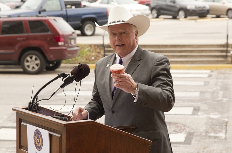 Texas Agriculture Commissioner Sid Miller declares cupcake amnesty at a press conference on Jan. 12, 2015.