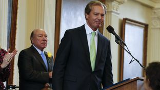 "With Senate President Pro-Tempore ""Chuy"" Hinojosa watching, Lt. Gov. David Dewhurst gives a final speech to the Texas Senate on Jan. 13, 2015."