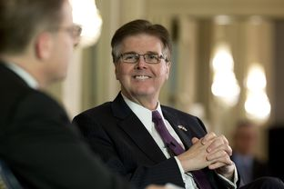 Lt. Gov. Dan Patrick with Evan Smith at TTEvents Jan. 27, 2015.