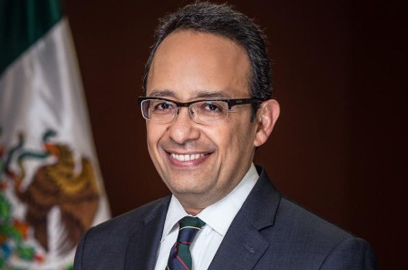 Consul General Carlos González Gutiérrez
