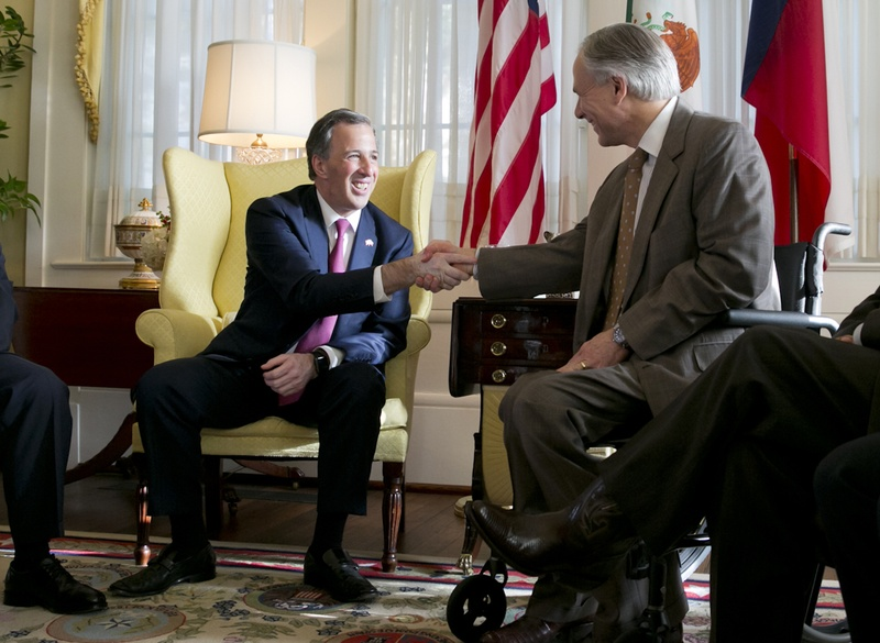Mexican Secretary of Foreign Affairs José Antonio Meade Kuribreña shakes hands with Gov. Greg Abbott during a meeting at the governor's mansion in Austin on July 9, 2015.