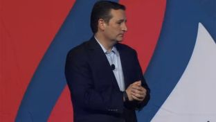 """Senator and presidential candidate Ted Cruz at the """"Rally for Religious Liberty"""" in Des Moines, Iowa, on August 21, 2015."""