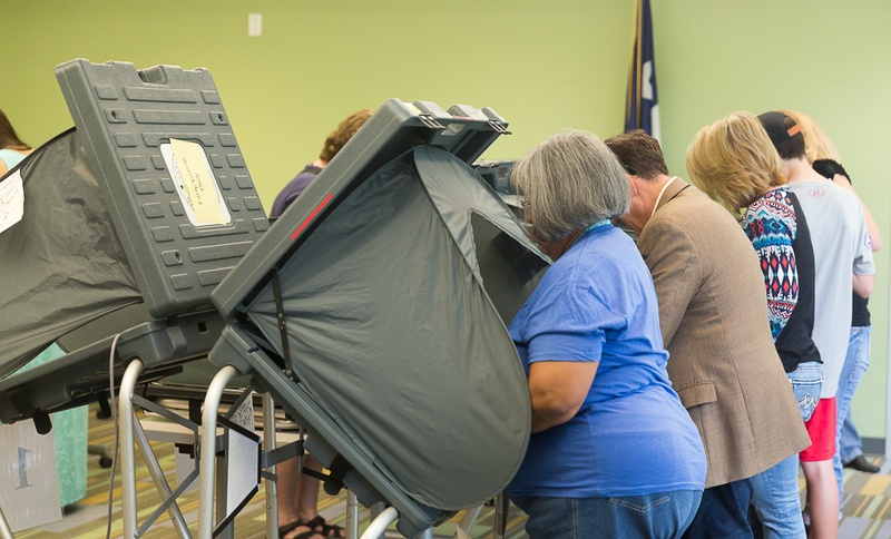 Voters cast their ballots in Harris County on Oct. 23, 2015. Photo by: Shelby Knowles