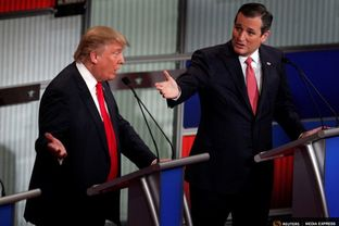 Republican U.S. presidential candidates Donald Trump (left) and Ted Cruz at the Fox Business Network Republican presidential candidates debate in North Charleston, S.C., on Jan. 14, 2016.