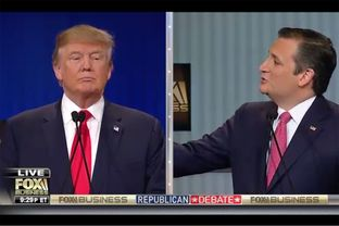 Republican U.S. presidential candidates Donald Trump (l.) and Ted Cruz at the Fox Business Network Republican presidential candidates debate in North Charleston, South Carolina on Jan. 14, 2016.