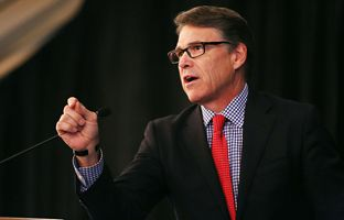 Former Gov. Rick Perry gives the closing keynote address at the the Texas Public Finance Conference in Austin on Feb. 3, 2016.
