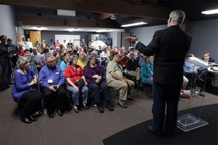 Outgoing Chairman James Dickey speaks to the Travis County Republican Party on Tuesday Mar. 8, 2016, the first executive committee meeting since Robert Morrow was elected chairman.