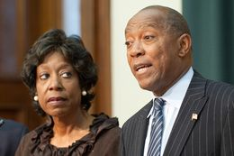 Ruth Jones McClendon (c), D-San Antonio, and Sylvester Turner, D-Houston, criticize Republican Senators and Gov. Rick Perry for an inadequate effort on April 28, 2011.