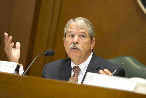 Senate Committee on Education Chairman Sen. Larry Taylor R-Friendswood during a Aug 3, 2016 hearing