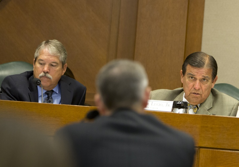 Sen. Eddie Lucio D-Brownsville and Sen. Larry Taylor R-Friendswood during a September 14, 2016 Senate Education Committee hearing
