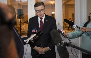 Lt. Gov. Dan Patrick offers a preview of the 85th legislative session at a Dallas Chamber of Commerce event at the Belo Mansion on Oct. 20, 2016.