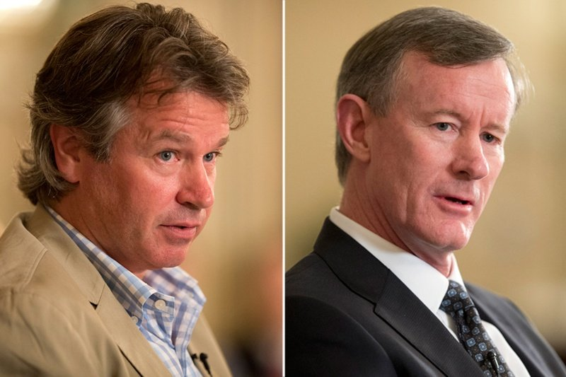 Outgoing UT System Regent Wallace Hall (l.) and UT System Chancellor Bill McRaven.