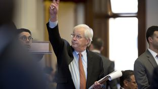 Rep. Charlie Geren, R-Fort Worth, votes on an amendment to Senate Bill 4 on April 26, 2017.