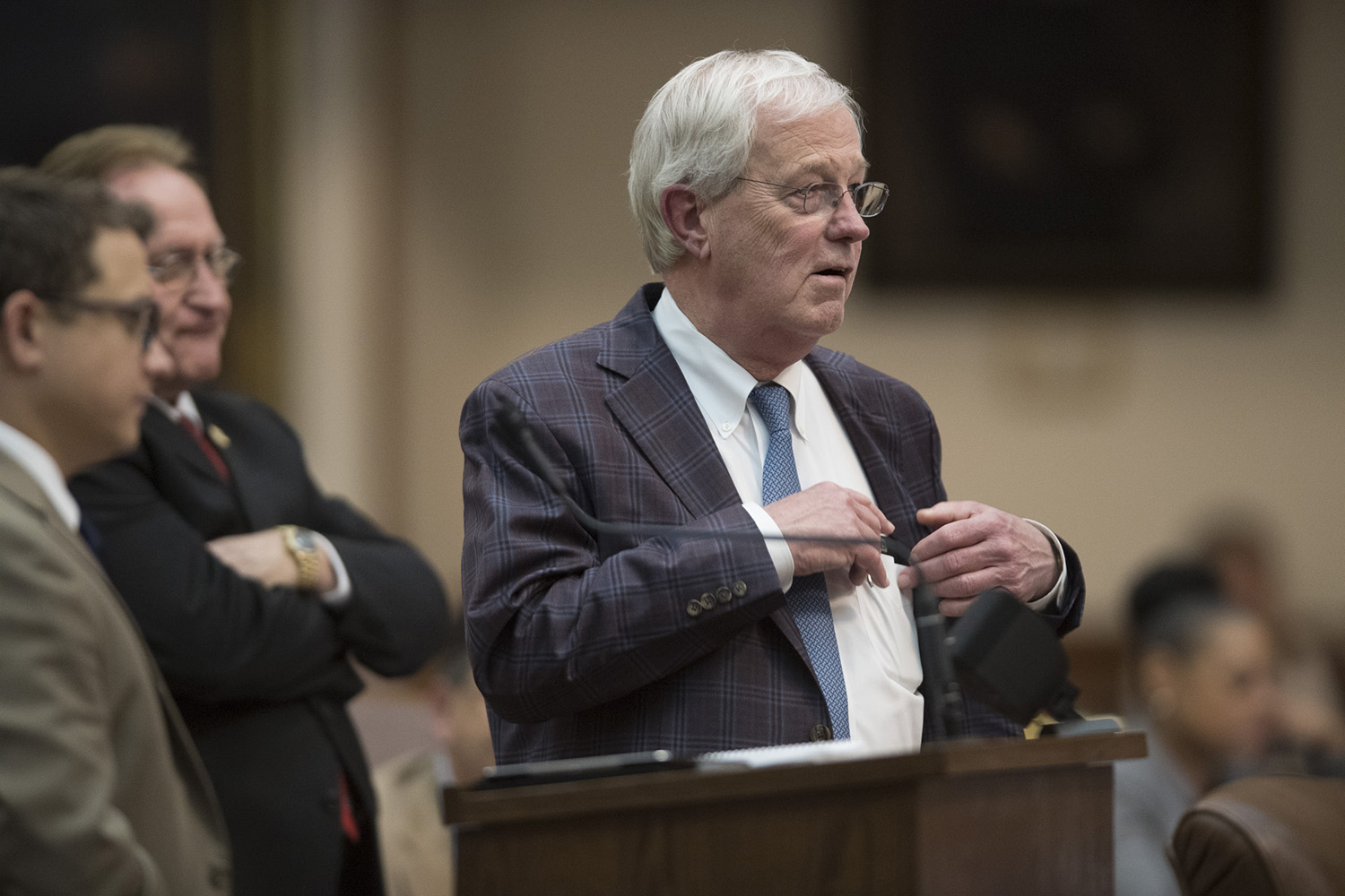 9:16 p.m. State Rep. Charlie Geren, R-Fort Worth, looks on as the House gets nearer its midnight deadline.