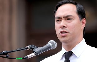 """U.S. Rep. Joaquin Castro, D-San Antonio, speaks to a crowd rallied on the south steps of the Capitolto protest Senate Bill 4, the """"sa rallied on the after the House gaveled the 85th regular session to a close on Monday, May 29, 2017."""