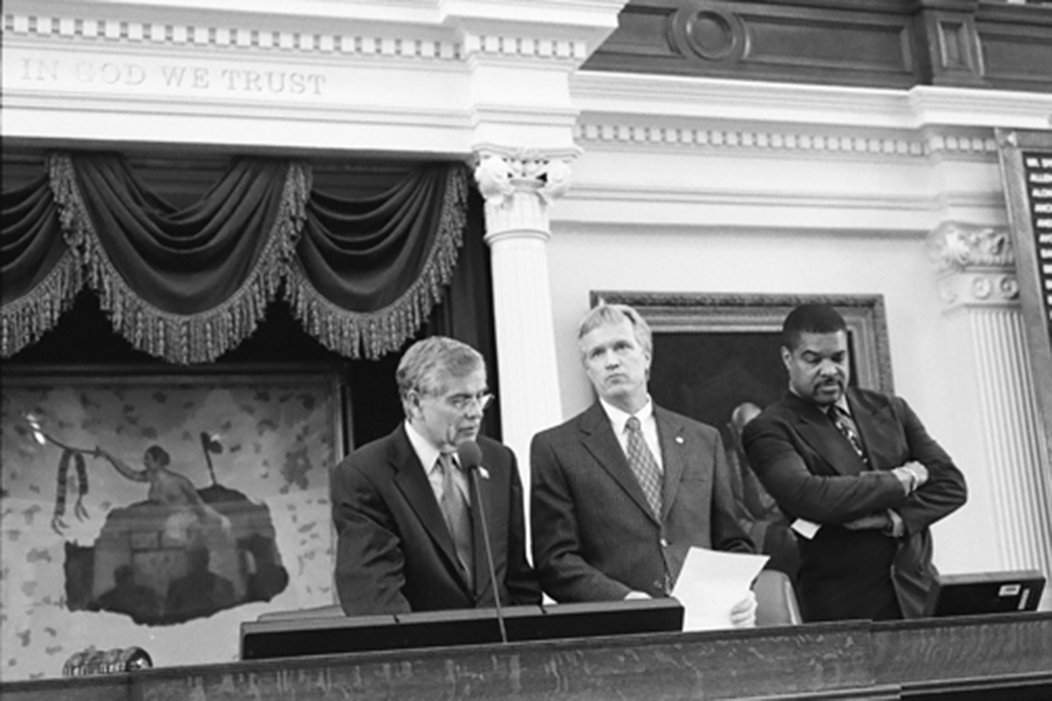 Left to right: House Speaker Tom Craddick with Parliamentarian Terry Keel and Deputy Parliamentarian Ron Wilson on the House dais in 2007.