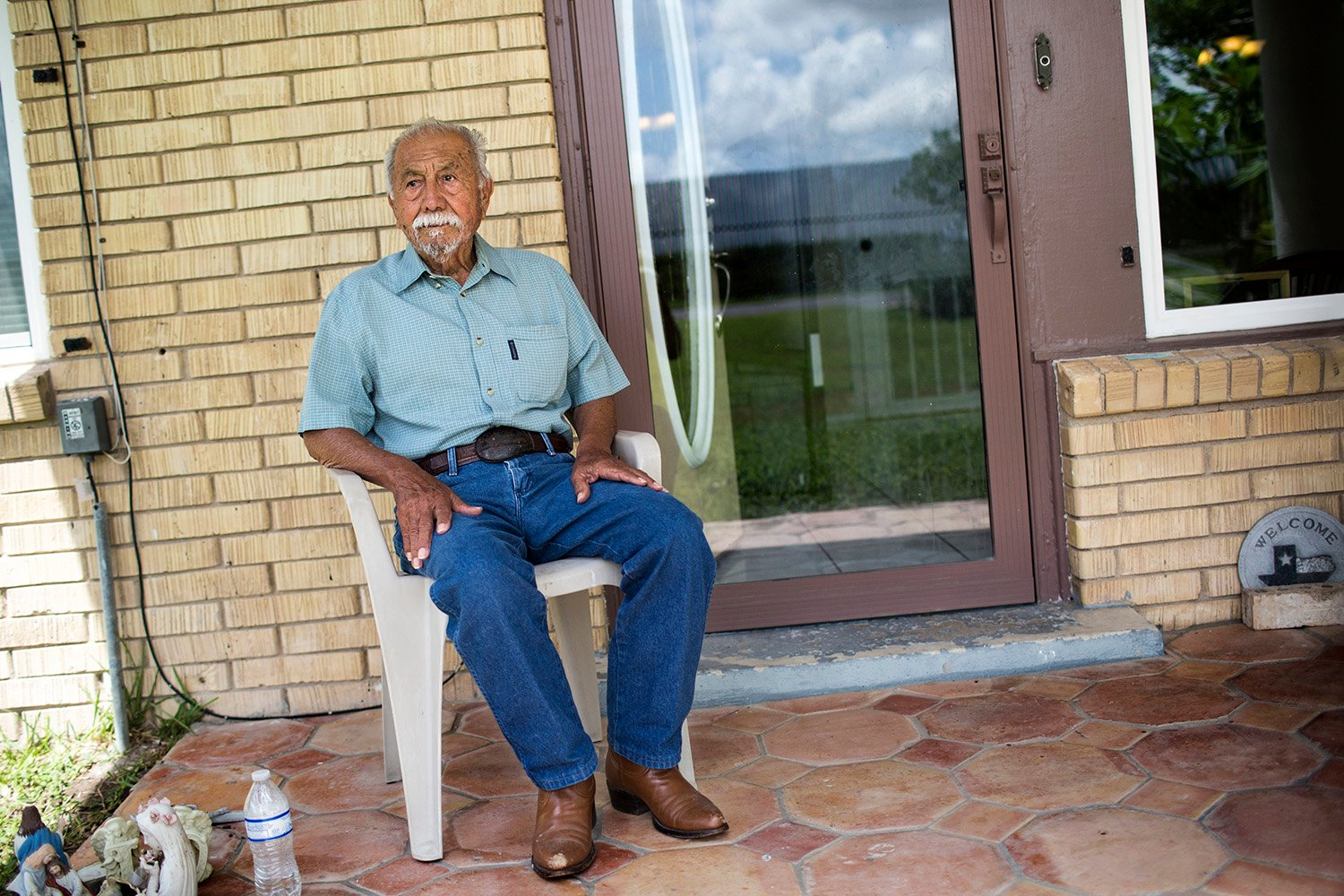 Tomas Perez outside his home on Oklahoma Ave. in Brownsville, on Aug. 20, 2017.