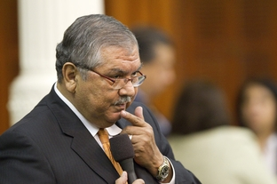 State Sen. Mario Gallegos, Jr., D-Houston, questions Sen. Robert Duncan on a finance bill late in the session May 29, 2011.