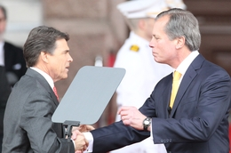 Lt. Gov. David Dewhurst shakes hands with Gov. Rick Perry at the 2011 inauguration.