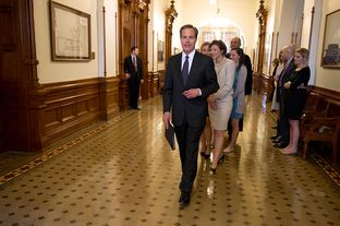 Speaker Joe Straus walks toward the House on Jan. 8, 2013, the opening day of the 83rd Texas Legislature.