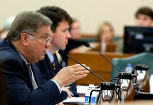 HHSC Commissioner Tom Suehs testifies before lawmakers.