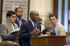 State Rep. Sylvester Turner (c) raises questions on SB1811 as colleagues State Rep. Armando Walle (l), D-Houston, State Rep. Ron Reynolds, D-Missouri City, and State Rep. Mark Strama (r), D-Austin, listen in the evening of May 29, 2011.