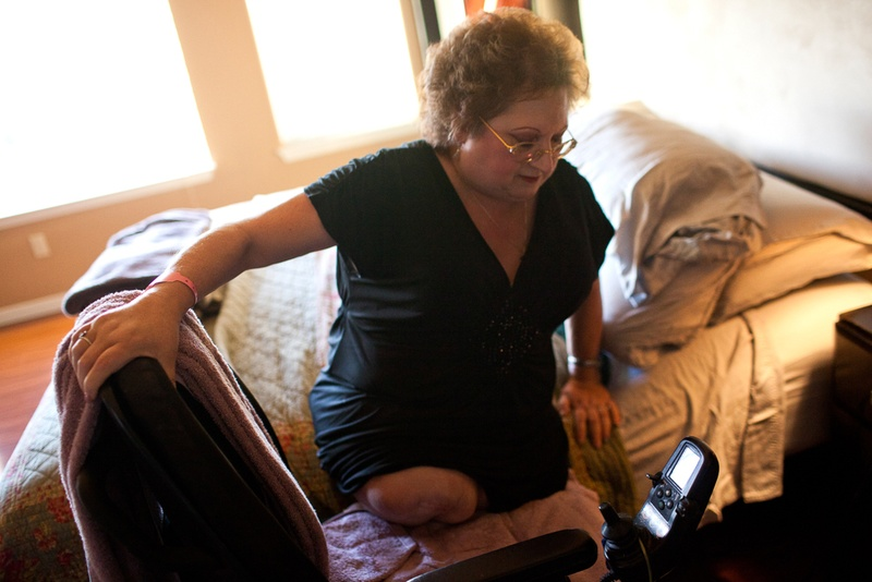 Connie Spears had both legs amputated above her knee as a result of a misdiagnosis in the emergency room.