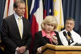 Sen. Jane Nelson and Lt. Gov. David Dewhurst introduce legislation designed to improve Texas health care.