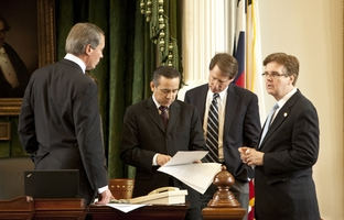 Lt. Gov. David Dewhurst, Sen. Carlos Uresti, Sen. Robert Duncan and Sen. Dan Patrick review amendments to Senate Bill 16, the abortion sonogram bill.