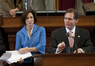 Rep. Lois Kolkhorst R-Brenham and Rep. John Zerwas R-Simonton during amendment discussion for  SB 8 on May 24th, 2011