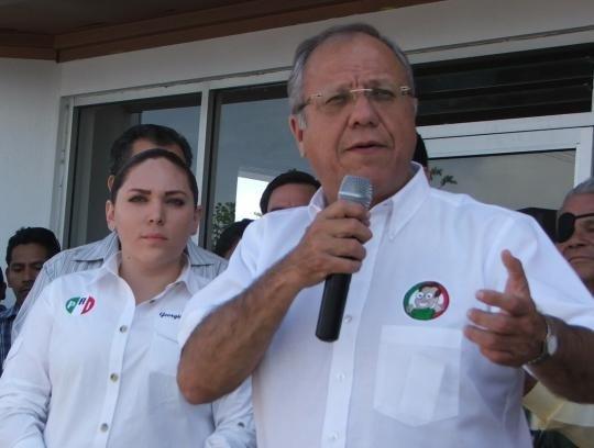 """Juaréz Mayor-elect Hector """"Teto"""" Murguía"""