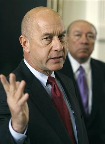 State Sen. John Whitmire speaks to reporters.