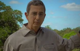 Land Commissioner Jerry Patterson, a candidate for lieutenant governor, highlights his commitment to gun rights and a family history of military service in a new campaign web video.
