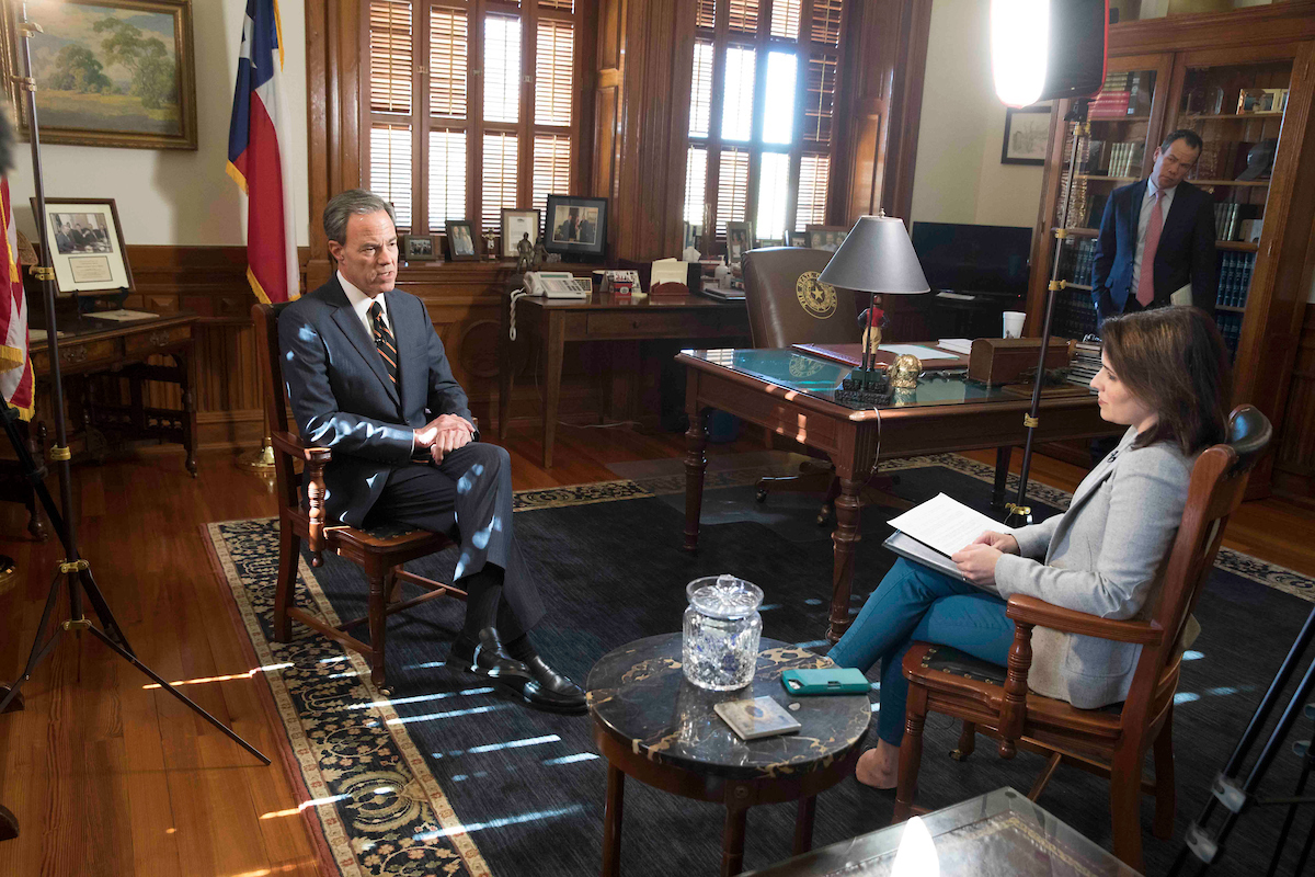 Multimedia reporter Alana Rocha interviews House Speaker Joe Straus on his decision not to seek re-election.